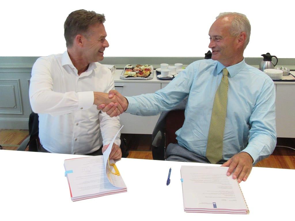 Webhelp & Telecats nieuwe partners publieksvoorlichting DPC: Links Ronald van Schijndel, rechts Erik den Hoedt